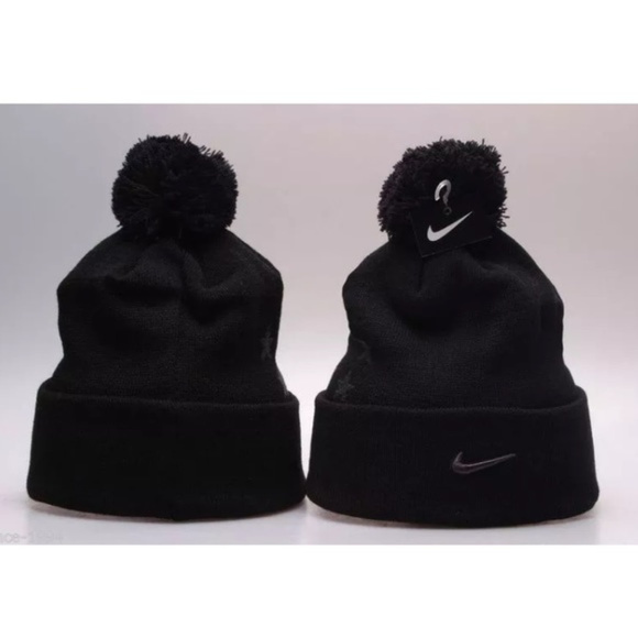 official photos ac945 6b7cb Nike Field General Pom Beanie Supreme Challenge. NWT